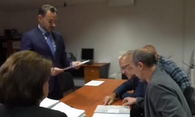 """Falcă a prezentat adevărul : """"Dosare cu probleme merg la instituţiile statului"""""""