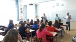 Informare a elevilor privind combaterea ambroziei