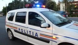 Culmea tupeului. Un bărbat din Sântana a lovit cu pumnii și cu picioarele doi polițiști de la Rutieră