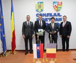 Ambasadorul Republicii Slovace s-a întâlnit cu Iustin Cionca, președintele CJA