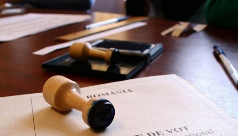 REFERENDUM. S-au deschis aproape 450 de secții de votare în județul Arad