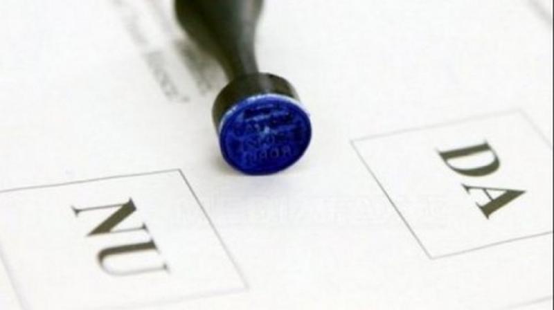 Puţin peste 6% din arădeni au decis să meargă la vot în prima zi a referendumului