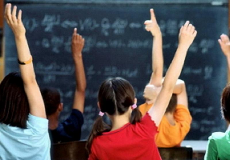 Numărul elevilor cu bursă în Arad aproape se dublează în anul școlar 2018-2019
