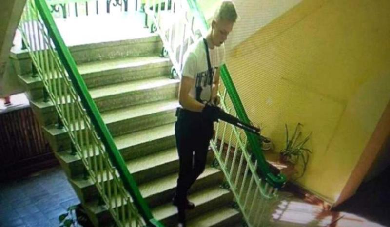 Masacrul din Liceu ce a avut loc în Crimeea, filmat. VEZI video cu imagini înfiorătoare