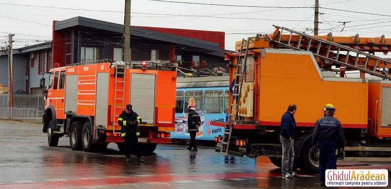 Tramvai în flăcări, trafic blocat