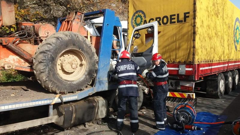 Zi neagră pe DN7, o persoană grav rănită în urma unui accicent rutier. Circulația este blocată pe ambele sensuri