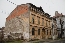 În atenţia proprietarilor! Clădirile cu faţadele nerefăcute vor fi supraimpozitate