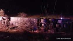GRAV accident pe DN 7. O femeie și-a pierdut viața, iar 30 de persoane au fost rănite