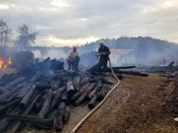 În ultimele 48 de ore,pompierii arădeni au intervenit la 7 incendii. Duminică, o casă a luat foc, din neglijența proprietarului