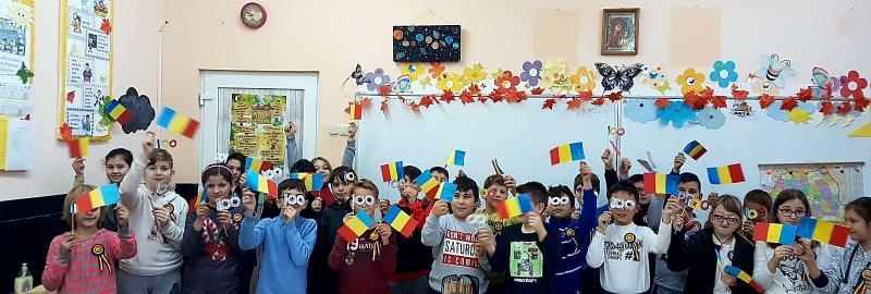 Românașii mici cu inimi mari au sărbătorit CENTENARUL la Liceul cu Program Sportiv Arad