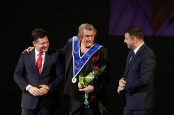 Florin Piersic a făcut ca sala Teatrului Ioan Slavici din Arad să pară extrem de mică