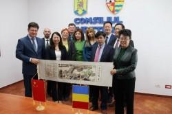 Consiliul Județean Arad a adus la Spitalul Județean o importantă delegație de cardiologi chinezi