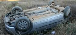 Un autoturism s-a răsturnat cu roțile în sus între Vinga și Arad