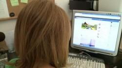 """O fată din Chișineu-Criș a căzut în capcană pe Facebook ! """"Iubitul"""" ei a forțat-o să se prostitueze"""