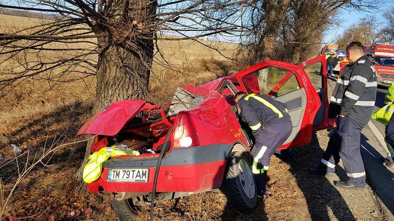 GRAV accident rutier în apropiere de Sântana