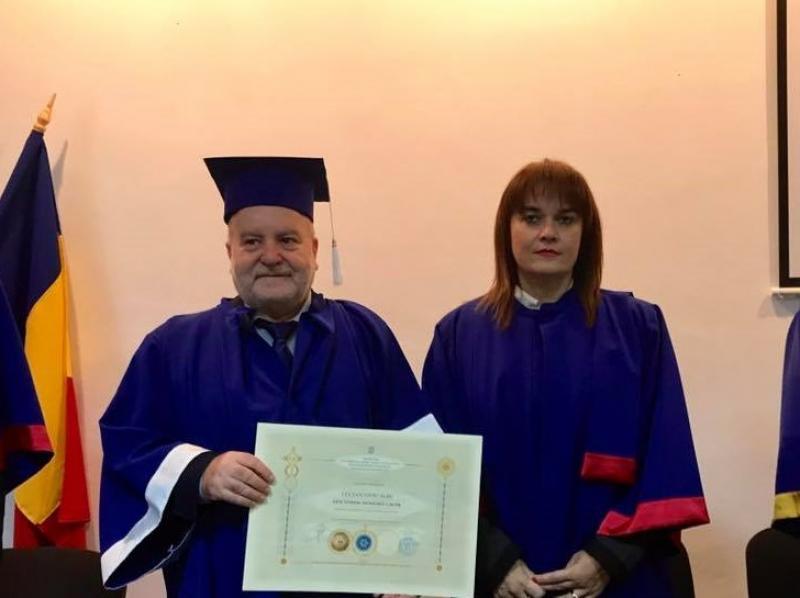 """Academicianul Lucian Liviu Albu , Doctor Honoris Causa al universității arădene """"Aurel Vlaicu"""""""