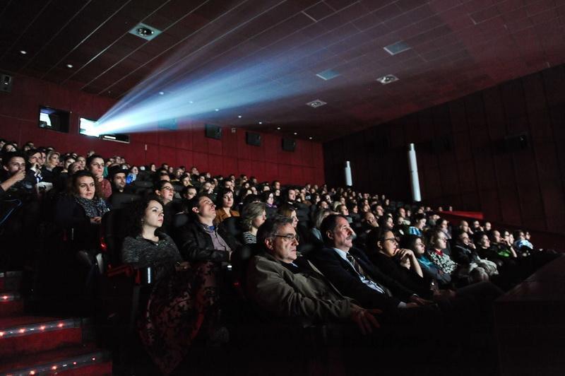 Filme incitante la Cinema Arta