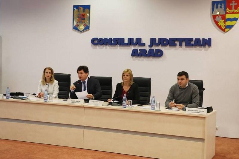 Şedinţă extraordinară la Consiliul Judeţean Arad. Tema principală: Distribuirea sumelor către primăriile din județ