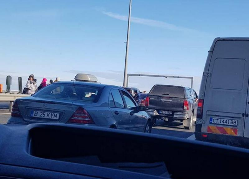 TREI AUTOTURISME şi un TIR implicate într-un accident pe autostradă la 5 km de vama Nădlac!
