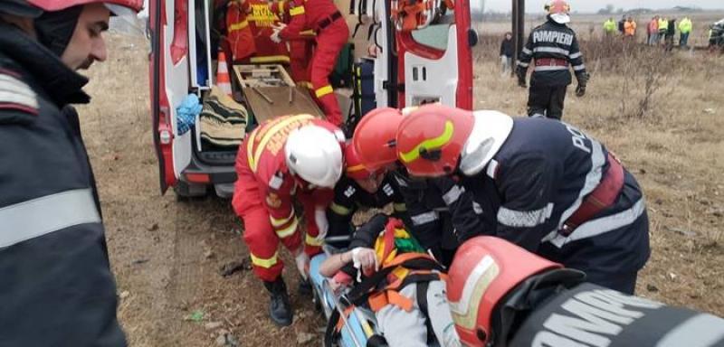 Accident MORTAL pe o șosea din vestul țării. Doi tineri de 31 de ani au pierit în tragedie
