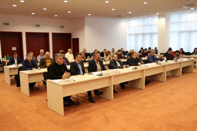 Consiliul Județean Arad a alocat bani pentru investiții în localitățile Archiș, Livada, Gurahonț, Păuliș și Zărand