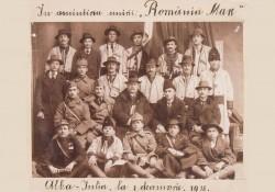 Fotografia delegaţiei Ineului la Marea Adunare Naţională – Exponatul lunii decembrie la Complexul Muzeal Arad