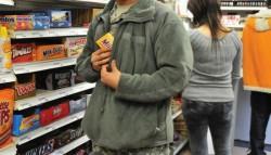 Arădean de 36 de ani surprins la furat de produse alimentare dintr-un supermarket de pe strada Banu Mărăcine
