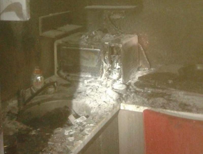 Ghinion pentru un arădean în seara de Sfântul Ion, flăcările i-au cuprins  bucătăria