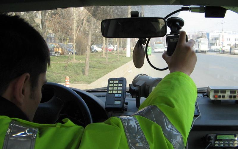 """9 permise de conducere """"săltate"""" în ultimele 24 de ore de poliţiştii arădeni"""