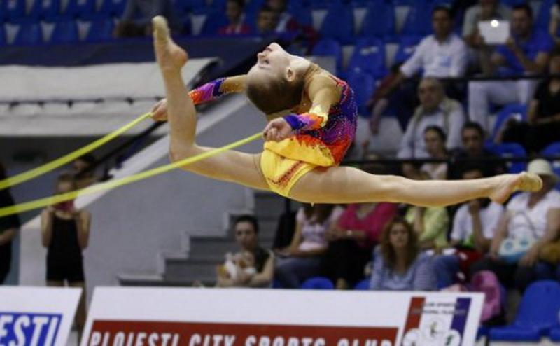 Patru gimnaste arădene la centrul olimpic de ritmică