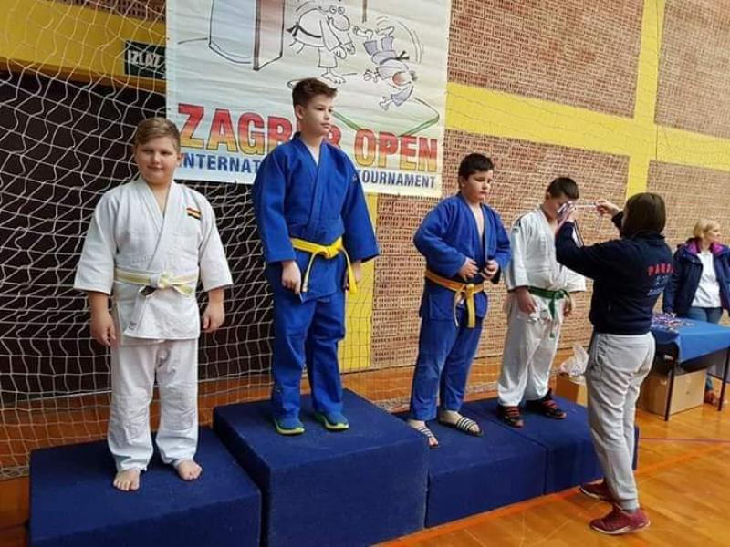 Aur și argint pentru judoka de la CS UNIREA SÂNTANA