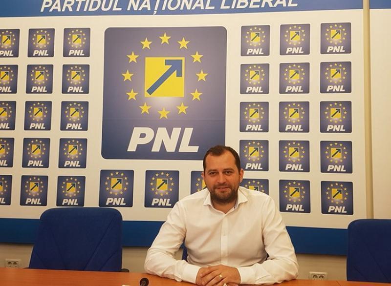 """Răzvan Cadar(PNL): """"Senatorul Fifor confundă România cu PSD"""""""