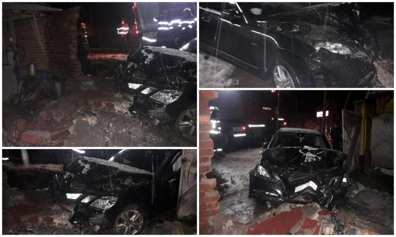 Gardul unei case din Bârsa a fost complet distrus de un Mercedes