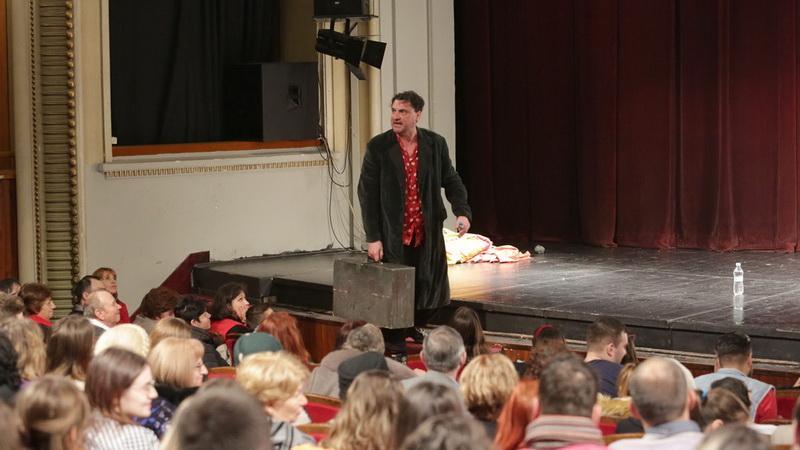 """7... într-o săptămână. Proiectul """"Luna plină de teatru"""" continuă la Teatrul Clasic """"Ioan Slavici"""" Arad"""