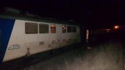 Un microbuz s-a defectat chiar pe linia ferată din Zimandu Nou