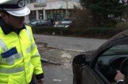 Un tânăr din Șimand a fost prins la volan fără permis