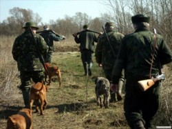 Prinși la braconaj în județul Arad, 14 români și 8 nemți