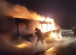 Autobuz ars în totalitate pe Autostrada Arad-Nădlac