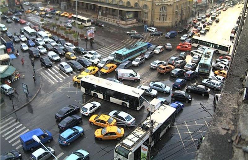 Riști să primești amendă mare dacă faci asta în trafic