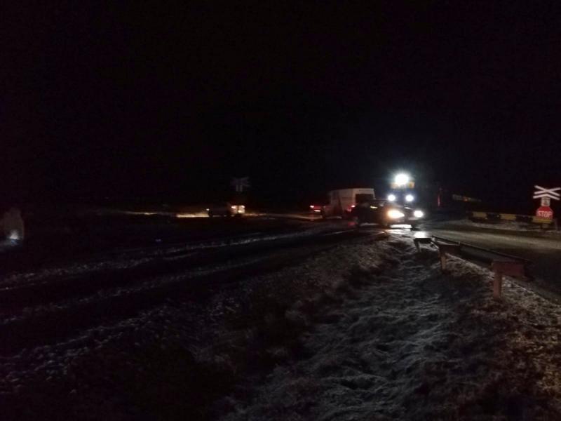 Un autoturism s-a defectat pe liniile de cale ferată la Zimandu Nou