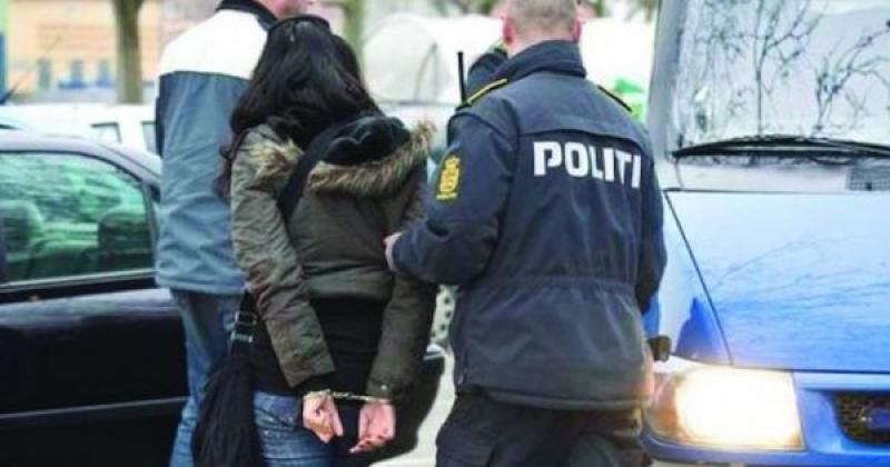 Hoață prinsă după 7 luni de la comiterea unui furt. Ea a furat două verighete și 8.000 de euro