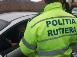 Polițiștii rutieri au reținut 12 permise de conducere și 12 certificate de înmatriculare, în doar 48 de ore
