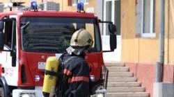 Un aparat electric de încălzit sauna a provocat un incendiu la subsolul unei case din Arad