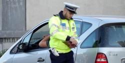 Polițiștii rutieri arădeni au reținut în doar 24 de ore, 19 permise și 9 certificate de înmatriculare