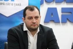 Răzvan Cadar, ales astăzi vicepreședinte al Consiliului Județean Arad după plecarea Claudiei Boghicevici