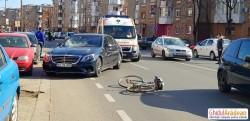 Biciclist accidentat GRAV pe strada Banu Mărăcine