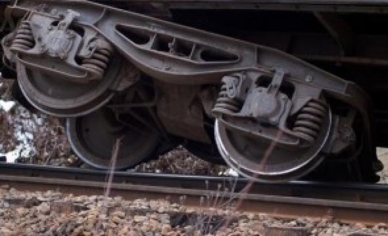 Un tren de marfă care circula pe ruta Curtici-Giurgiu Nord a deraiat în județul Hunedoara
