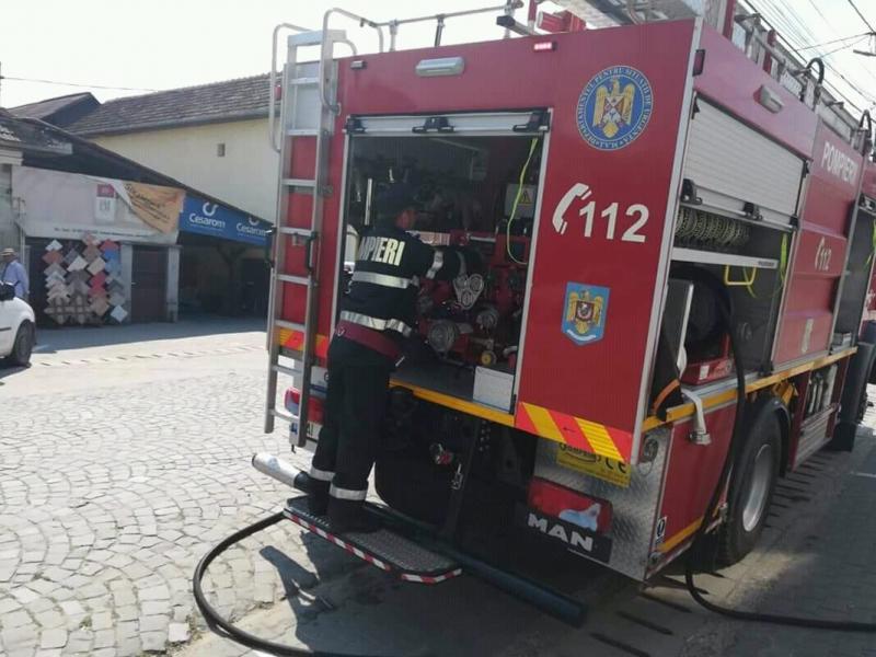 O familie din Arad a trecut prin clipe de groază Vineri după-masa, când casa le-a luat foc