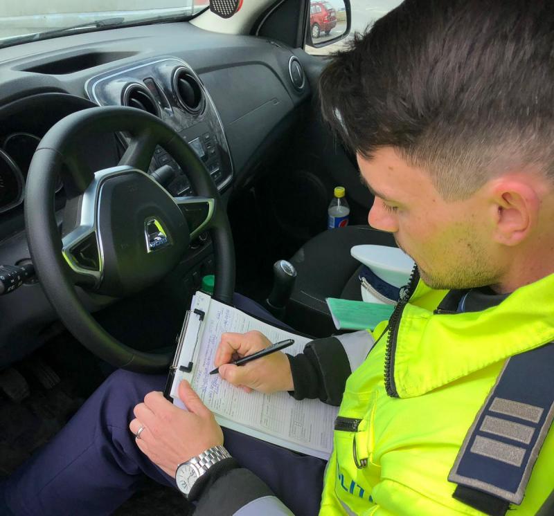 Șofer ce gonea cu 104 km/h prin Șofronea a fost prins de polițiștii rutieri