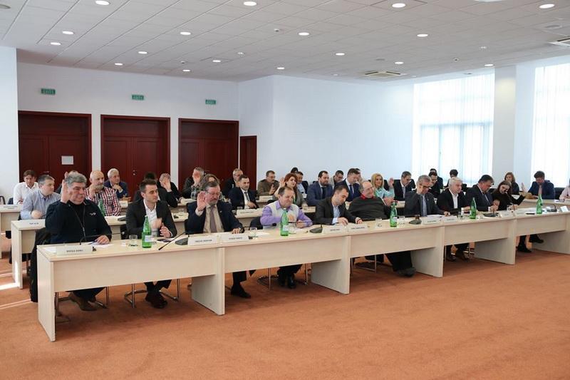 Consiliul Judeţean a repartizat sume pentru 189 de  proiecte ale primăriilor din judeţ